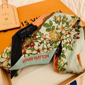 Louis Vuitton BB Flower XVIII Rose Silk Bandeau